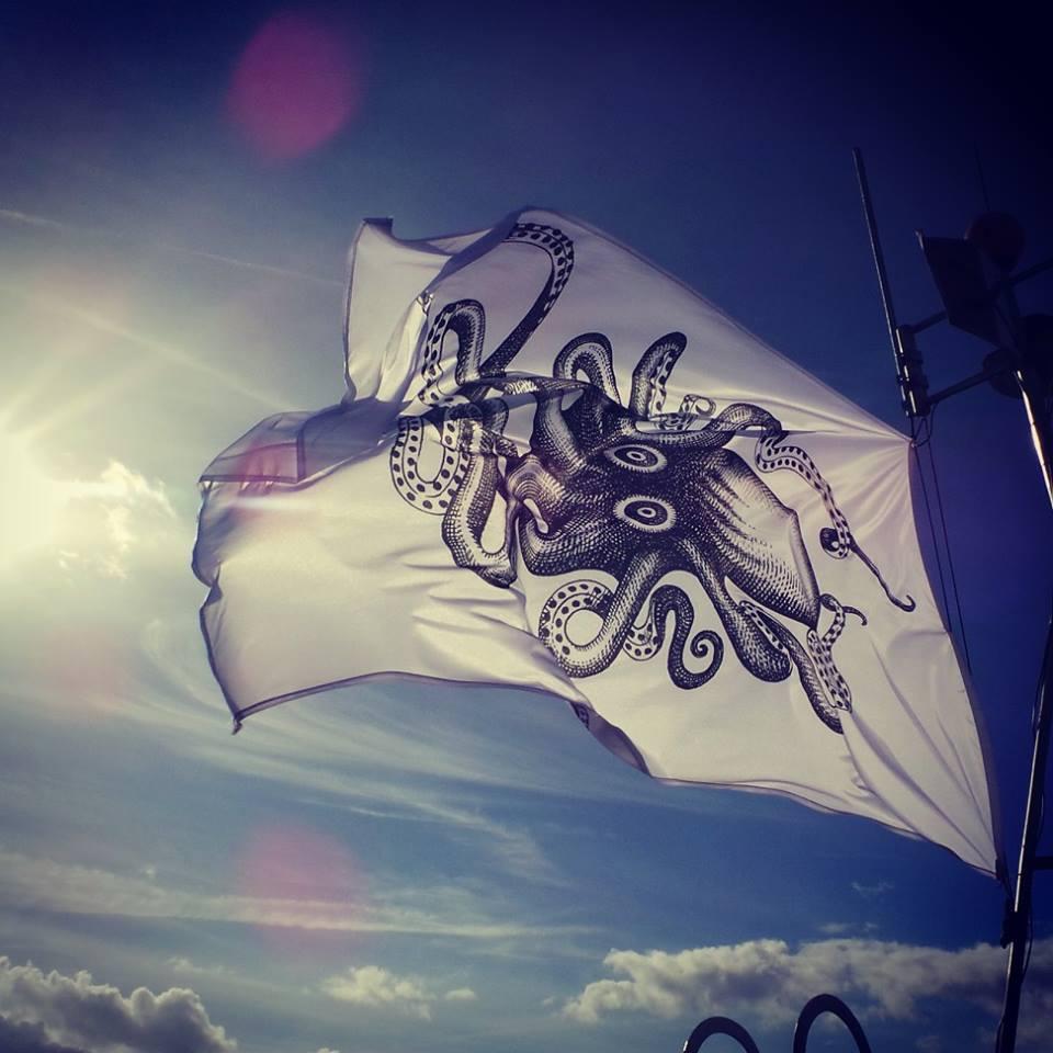 Name:  Kraken-Flag.jpg Views: 160 Size:  82.2 KB