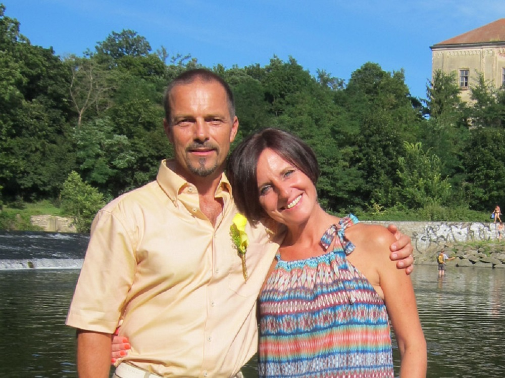 Name:  Ivo & Sona.JPG Views: 174 Size:  255.3 KB