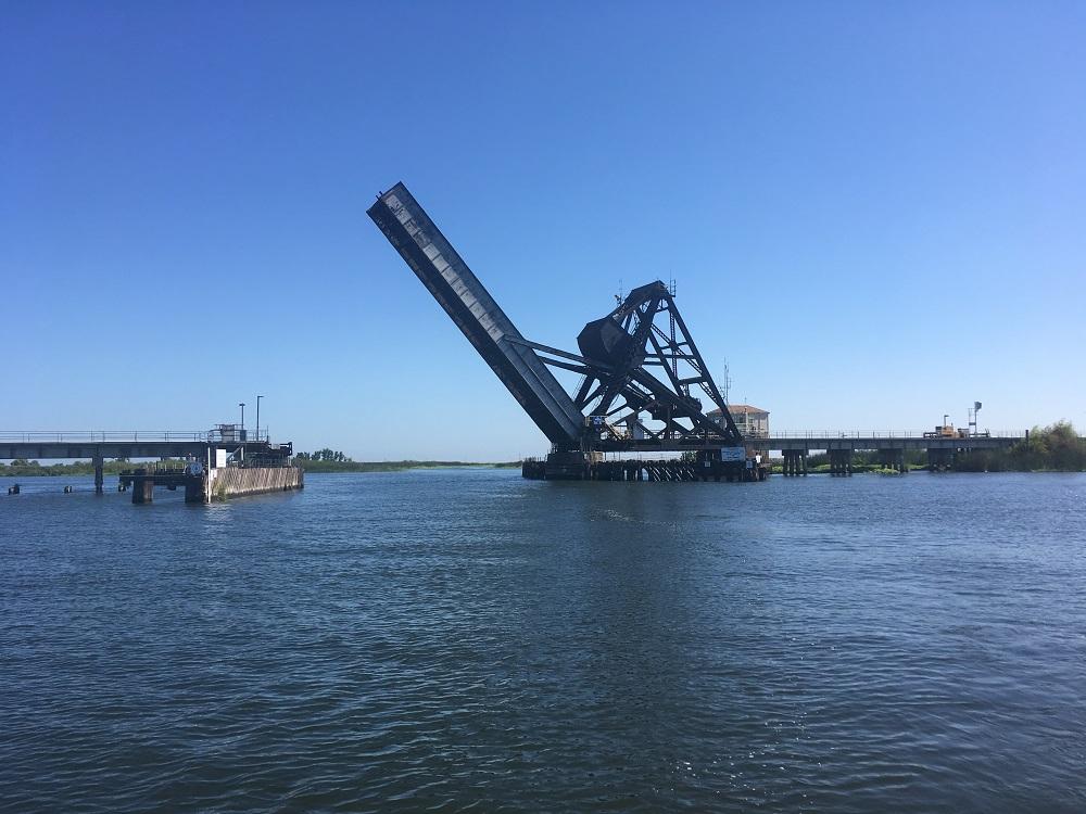 Name:  Bascule bridge over Old River.JPG Views: 82 Size:  216.4 KB