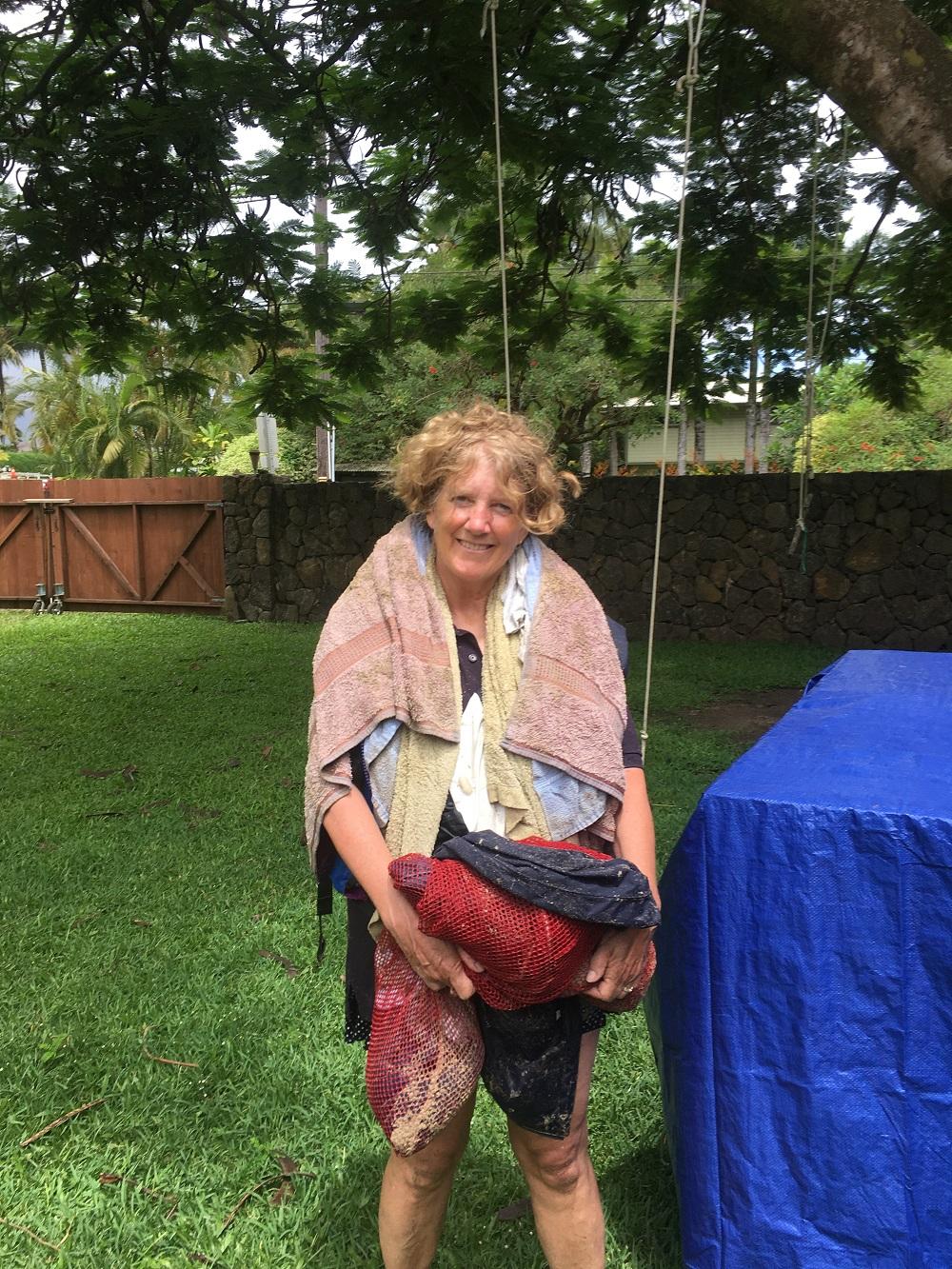 Name:  bag lady of Hanalei Bay.JPG Views: 210 Size:  718.4 KB