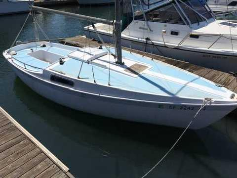 Name:  sailboat_jensen_cal_20_1973_nice_condition_400_huntington_beach_hide_this_posting_unhide_5930009.jpg Views: 126 Size:  28.3 KB