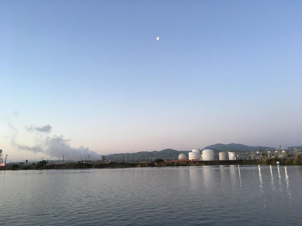 Name:  industrial landscape along San Joaquin - Copy.JPG Views: 306 Size:  140.7 KB