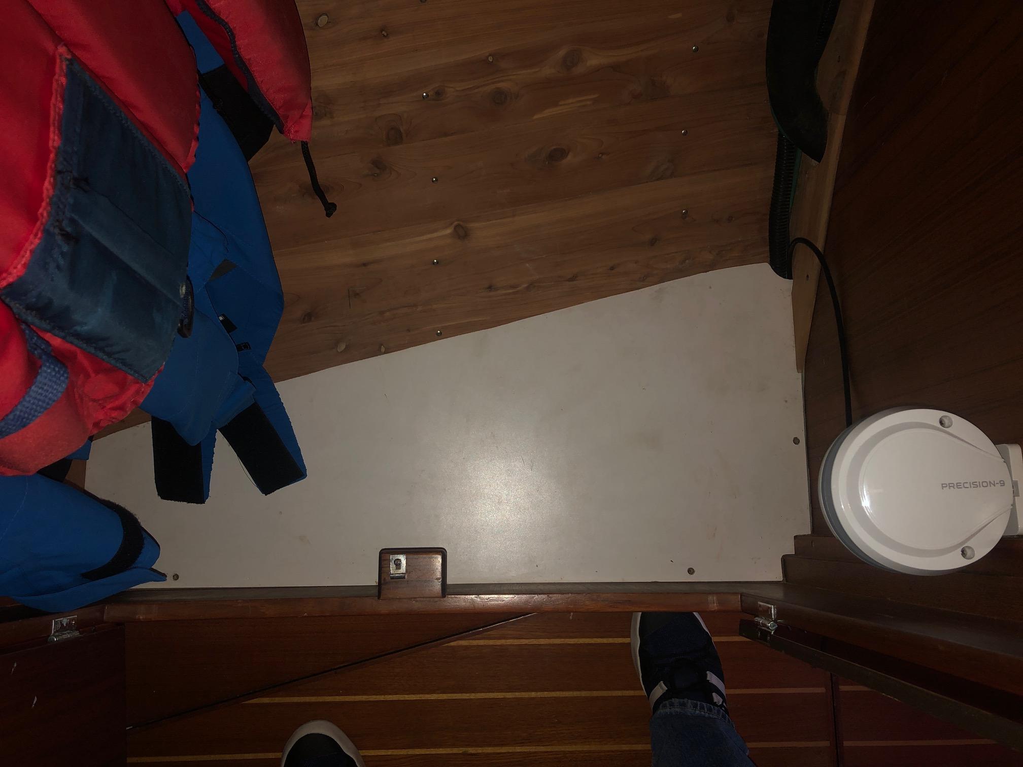 Name:  Hanging Locker 3.JPG Views: 45 Size:  439.8 KB